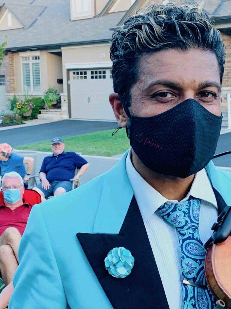 G Pinto - mask